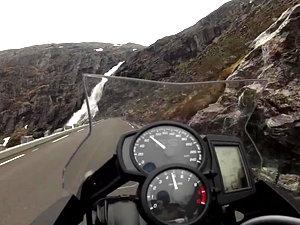 宝马F700GS挪威摩游视频