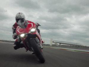 杜卡迪Ducati Superbike 1199 Panigale R 摩托车视频