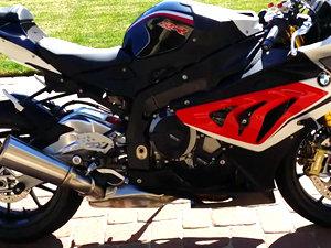 宝马BMW S1000RR摩托车视频