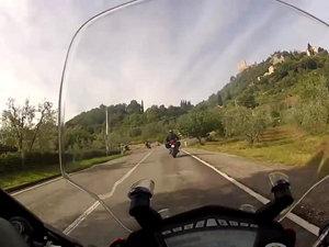 杜卡迪Ducati HyperStrada 骇道摩托车视频