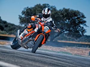 KTM 1290 SUPER DUKE R 摩托车图片