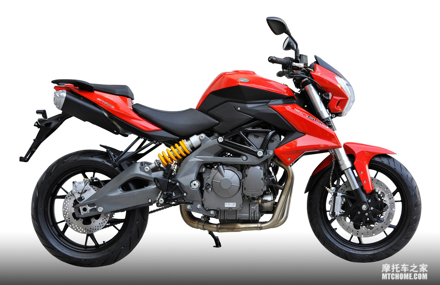 Ultimate Cafe Racer Kit in addition Ross On The Triumph Thruxton R moreover Yamaha R15 V2 Vs R15 S List Of 5 Differences Including Engine Detuning besides Viewtopic together with 17895. on 2016 new yamaha motorcycles