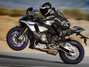 雅马哈 YAMAHA YZF-R1M 摩托车图片