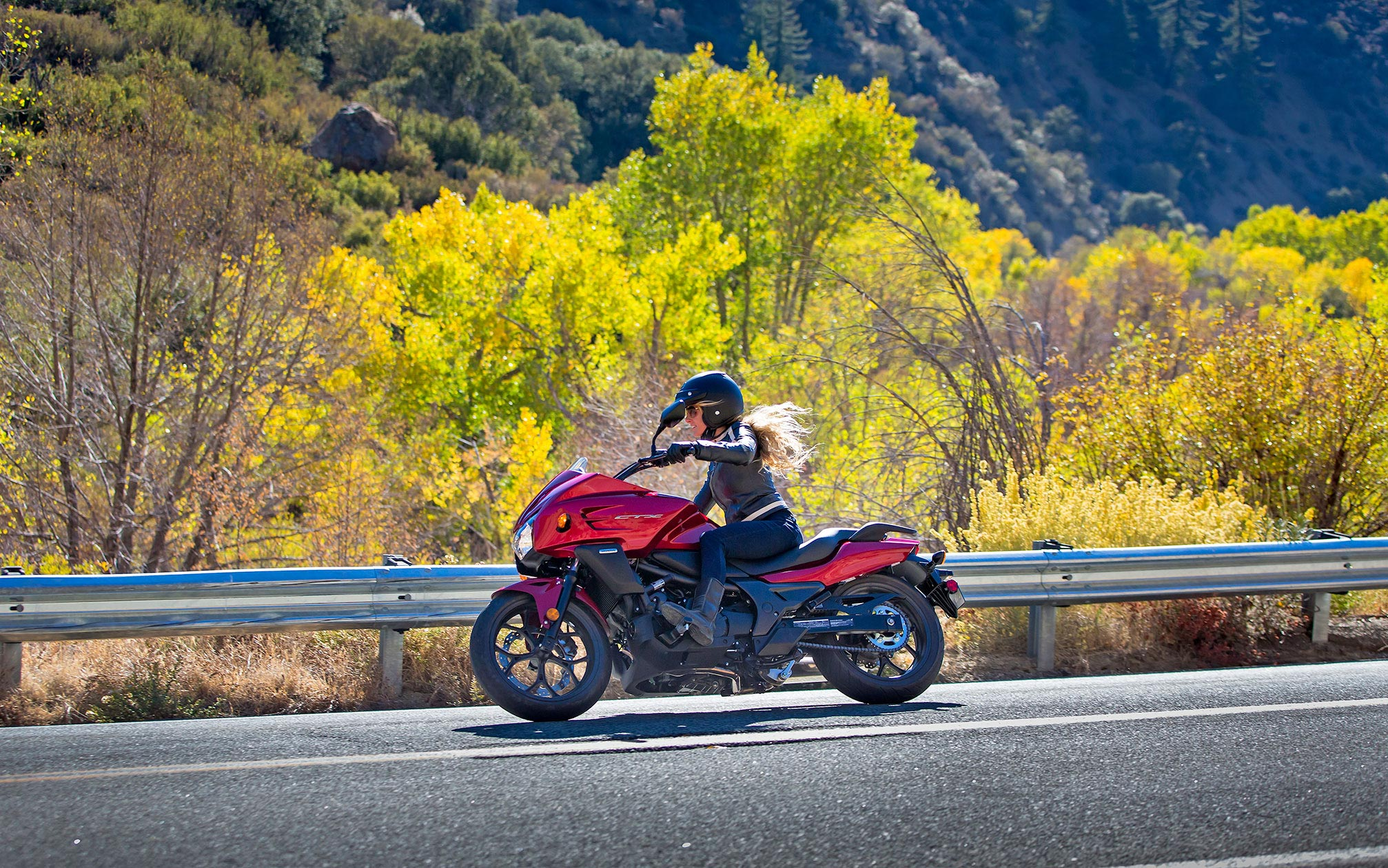 本田ctx1300摩托车图片