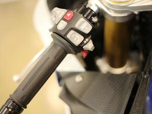 宝马摩托车S1000RR实拍图片