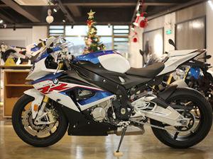 【实拍】宝马摩托车S1000RR图片